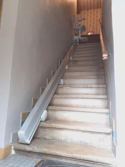 Monte-escaliers - Rail coulissant - COPAS Accessibilité